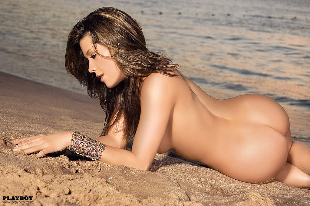 nude pics chicks in thongs
